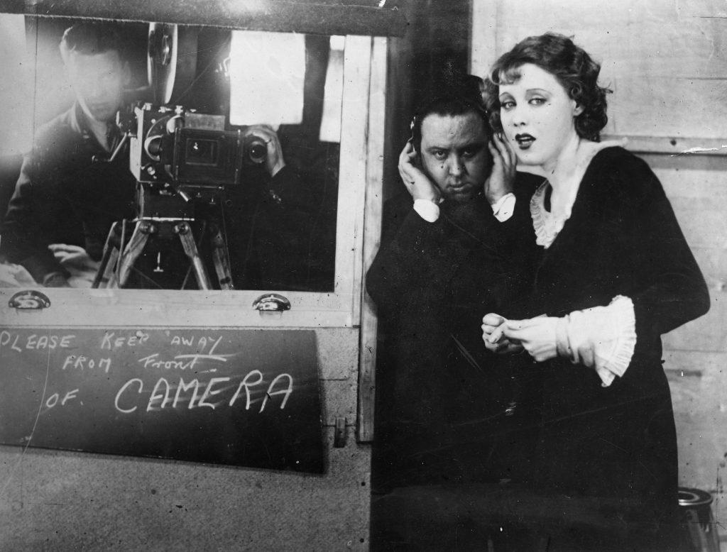 Hitchcock si fa in due: da commediografo a 'maestro del brivido'