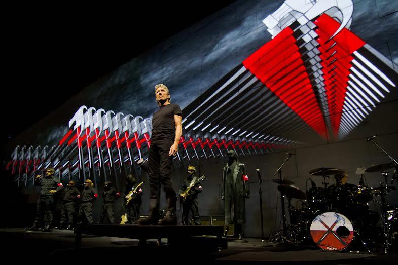 Lo spettacolo antimilitarista di Roger Waters