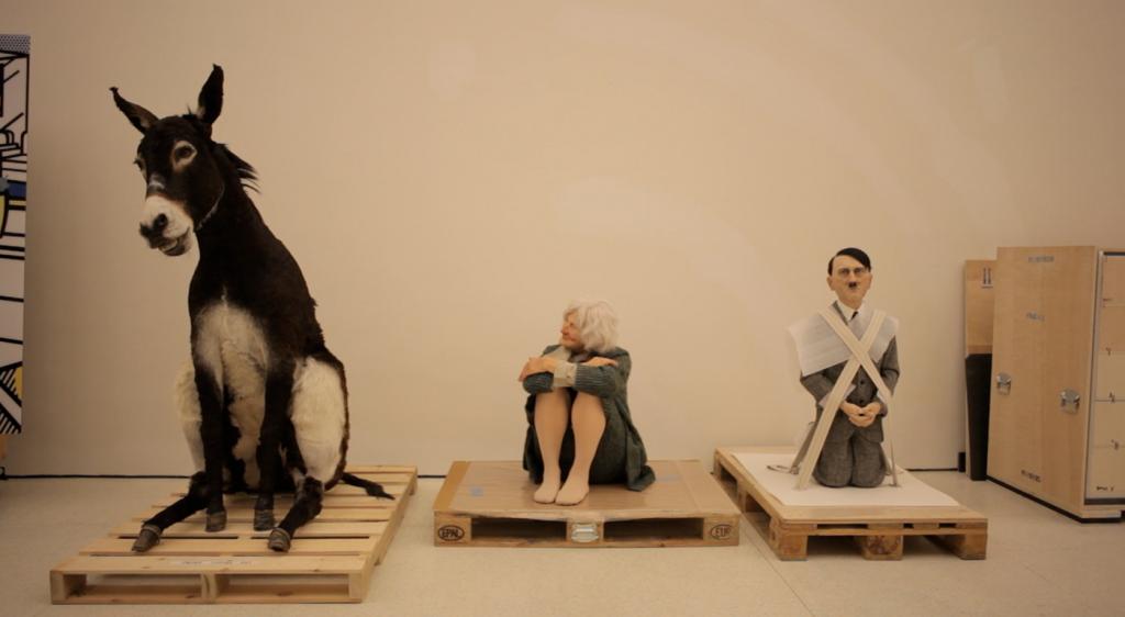 Le inquiete burle artistiche di Maurizio Cattelan