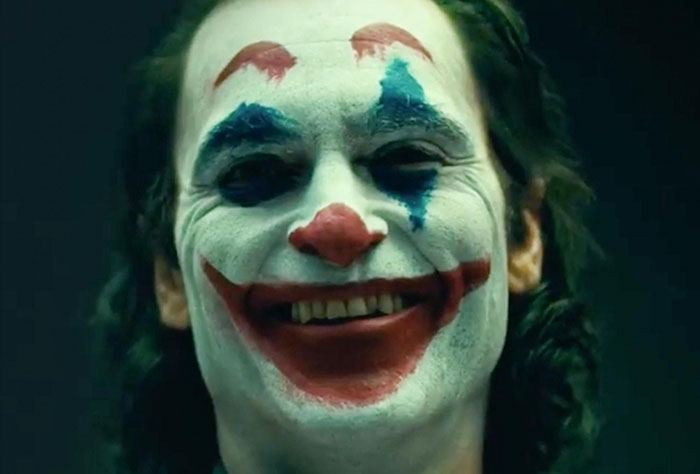 L'uomo che ride e le paranoie americane - Speciale